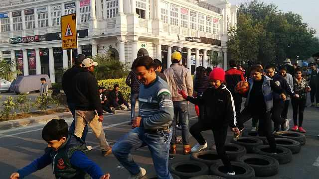 fun activity at raahgiri day connaught place
