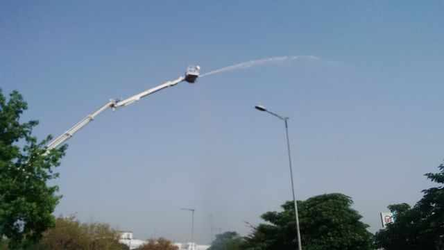 artificial showers connaught place