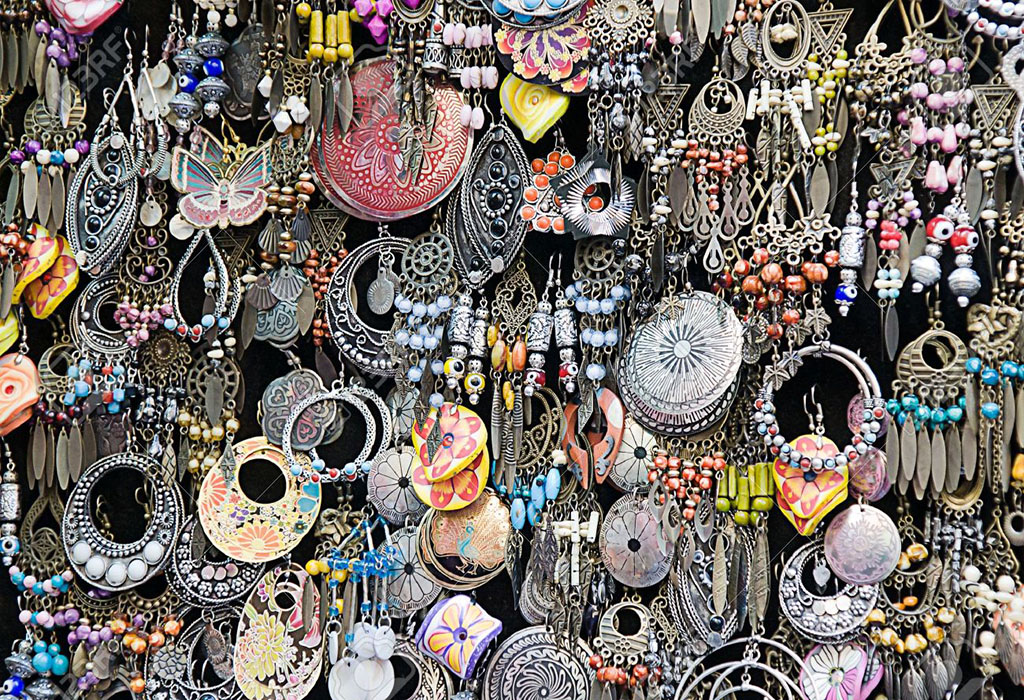 Buy This Kind of Funky Jewellery From Janpath Market @Connaught Place
