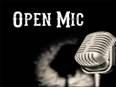 Open Mic - Comedians at work